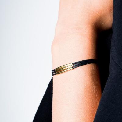 Bracelet trois tubes plaqué or porté