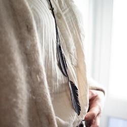 Finesse et légèreté pour ce sautoir plumes en chambre à air de vélo, qui apportera un style bohème chic à vos tenues.  #sautoir #bijoumadeinfrance #bijouxcreateur #bijouxfantaisiesuniques #bijou #saintlazarefrance #bijoux #lachineusedecreateurs #zerodechets #bijouxethiques