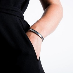 Ce bracelet jonc habillera votre poignet avec élégance et simplicité.  #bracelets #jonc #bijoux #upcycling #madeinfrance #saintlazarefrance