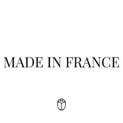 Notre mission chez SAINT LAZARE : donner une seconde vie à des matières destinées à etre jetées.   Il nous semble donc logique et cohérent de travailler en circuit-court et de s'appuyer sur un savoir-faire local pour transformer nos matières en accessoires élégants et durables.   Notre nouvelle collection de maroquinerie est entièrement fabriquée en France, ce qui nous permet de : 1. Réduire notre empreinte carbone et de rester cohérent dans notre démarche ♻️ 2. Soutenir la #productionfrançaise et le #savoirfairefrancais 🇫🇷 3. S'assurer de la qualité ✔️  #madeinfrance #mif #fabricationfrancaise #maroquineriefrancaise #circuitcourt #upcycling #creationfrancaise #accessoiresfrancais #creationfrancaise #artisanatfrancais #saintlazarefrance