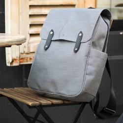 LE SAC À DOS UPCYCLÉ & MADE IN FRANCE   Nous sommes heureux de vous partager notre nouveau sac à dos fabriqué en France à partir de matières upcyclées. Il a été conçu pour vous accompagner au quotidien grâce à sa toile déperlante et résistante. Le sac dispose d'un compartiment intérieur pour votre ordinateur (jusqu'à 17 pouces). Retrouvez-le en pré-commande sur @ulule (lien dans la bio).  #upcycling #saintlazarefrance #climatechange #modedurable #madeinfrance #slowfashion #sacdurable #fabricationfrancaise #sacados #ulule #actforimpact #sacmadeinfrance #maroquineriefrancaise